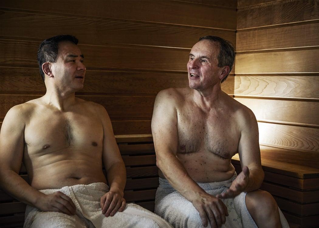 Conversation_sauna_friendes_tylohelo.jpg