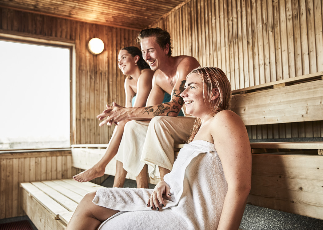 Sauna_happiness_friends.jpg
