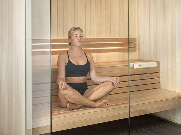 sauna_yoga_easy_pose